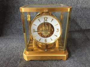 ジャガールクルトの置時計